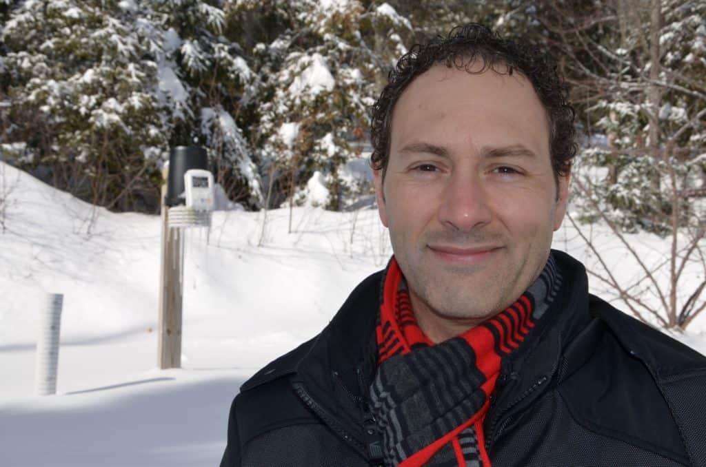 Professeur d'anglais à la Polyvalente Curé-Mercure, à Mont-Tremblant, Éric Chatigny est aussi un météorologue averti dont les prévisions laurentiennes sont souvent d'une exceptionnelle précision. - Photo TC Media - René-Pierre Beaudry