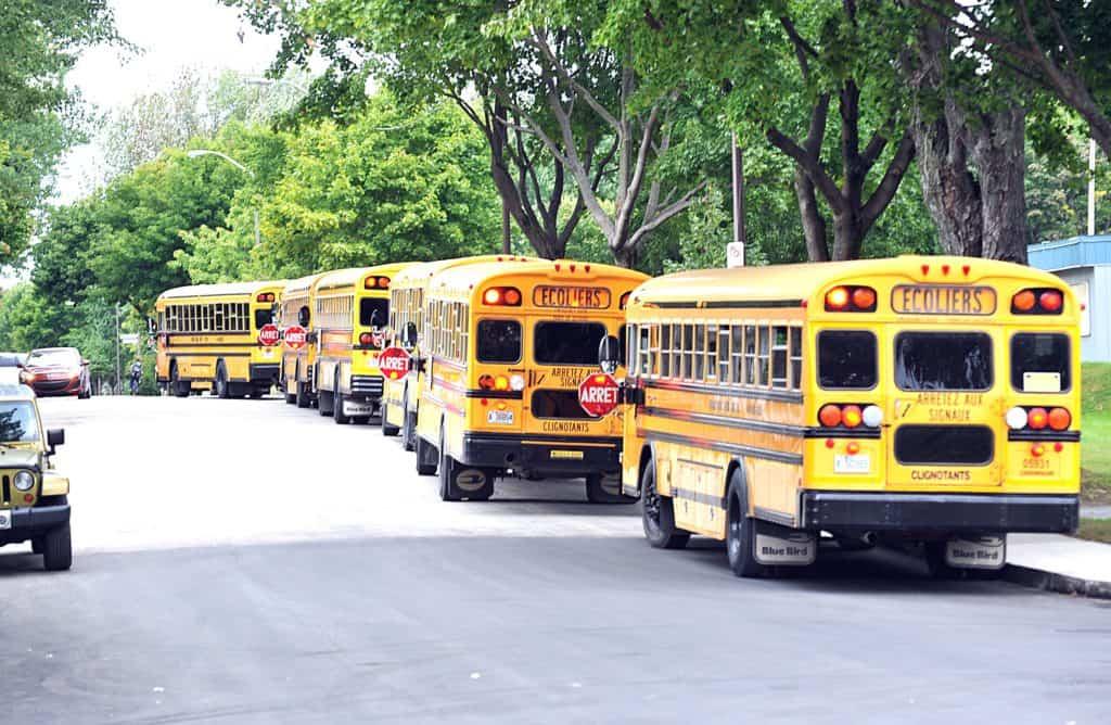 Un piéton heurté par un autobus scolaire