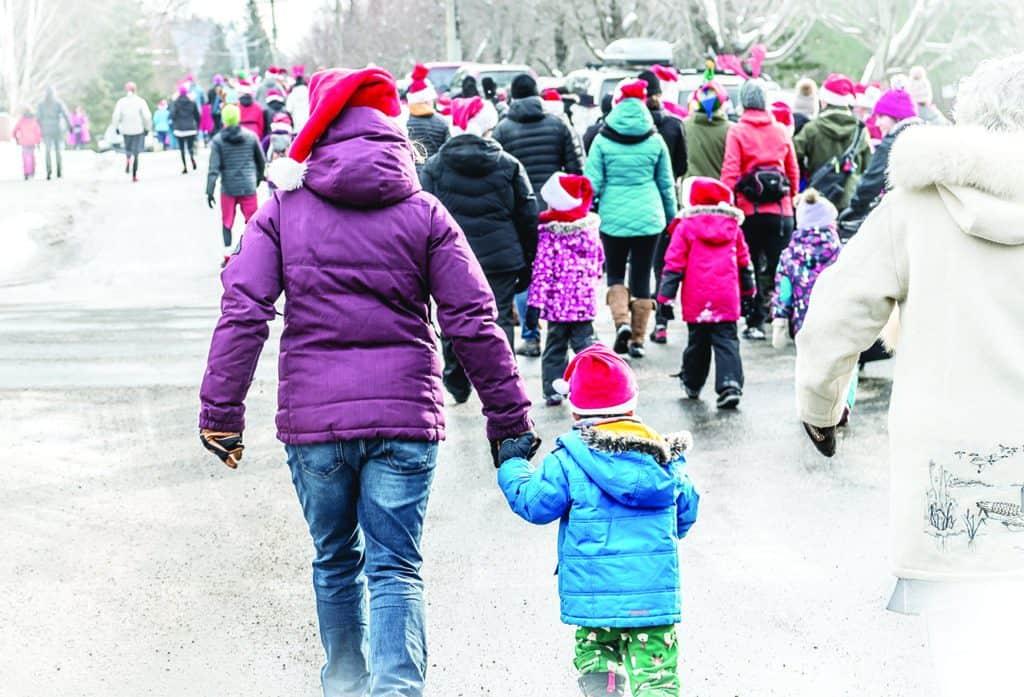 Les participants de la 3e édition de la Course des Pères Noël prendront le départ dès 11h au parc Léonidas-Dufresne à Val-David. - (Photo Archives – André Chevrier)