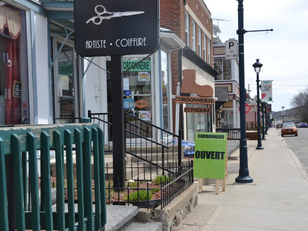 Les boutiques de Sainte-Agathe bénéficieront d'une campagne promotionnelle d'achat local. (Photo L'info du Nord – Marilou Séguin)