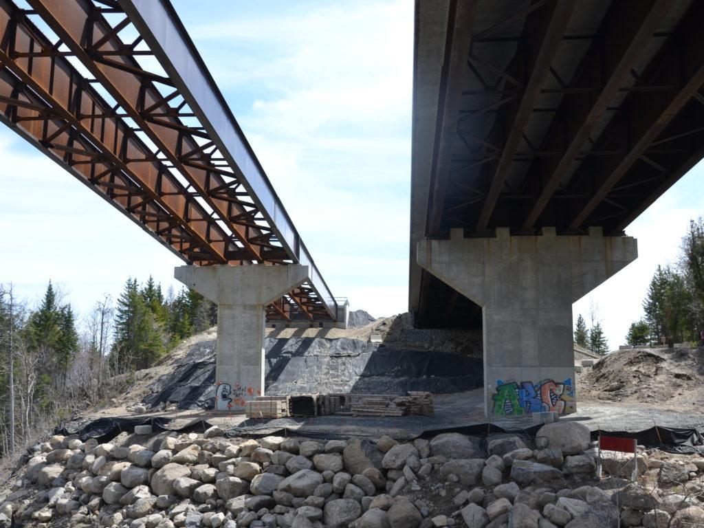 Aux travaux sur le pont de la rivière aux Mulets, sur l'A15 Nord, s'ajoute à Piedmont une fermeture complète de la 117 depuis le 6 avril, dû à l'affaissement d'un ponceau. Ce ponceau sera remplacé d'ici 5 semaines. (Photo L'info du Nord - Marilou Séguin)