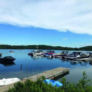 La marina au débardère du Lac des Sables. (Photo L'Info du Nord-Isabelle Houle
