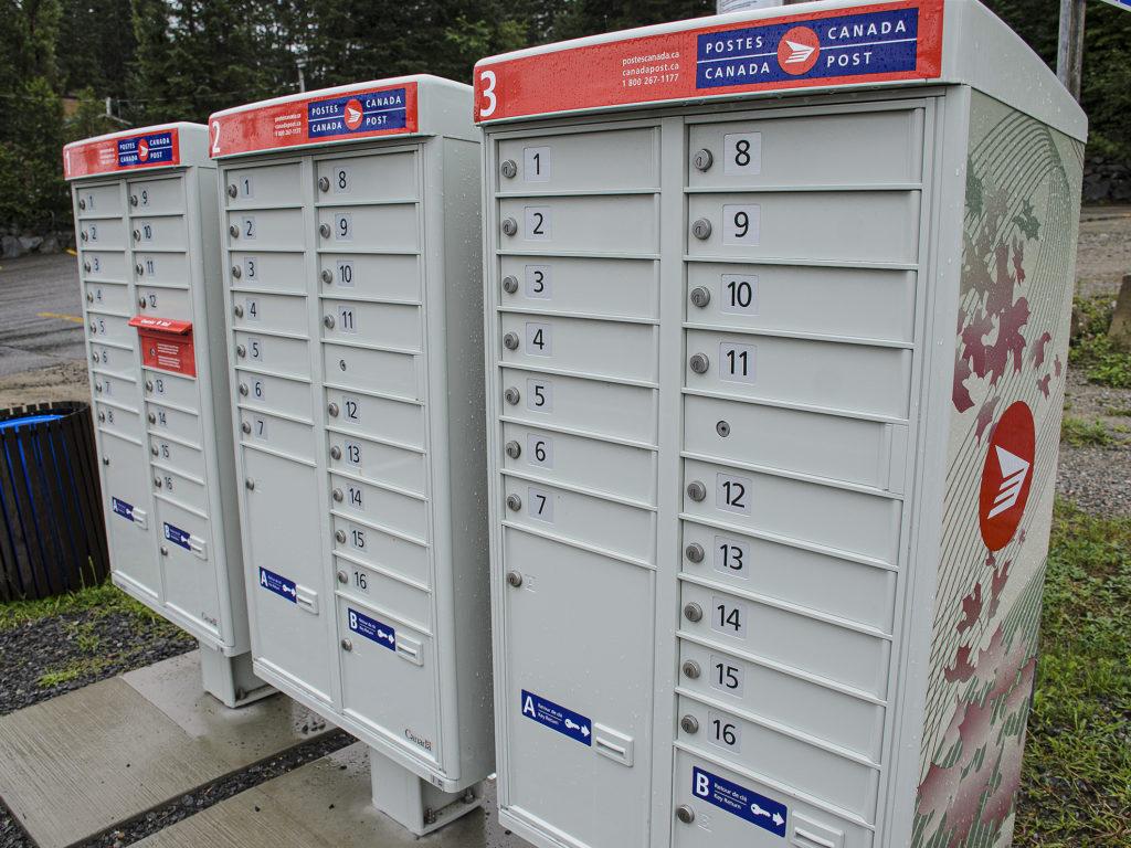 Vols et méfaits aux boites postales communautaires, c'est commun dans les Laurentides. (Photo L'info du Nord – Ronald Mc Gregor)