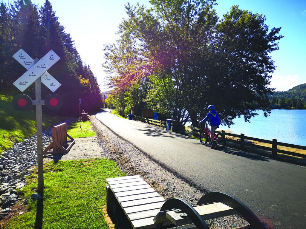 Asphaltage du parc linéaire: Le P'tit Train du Nord complètement pavé à Val-Morin