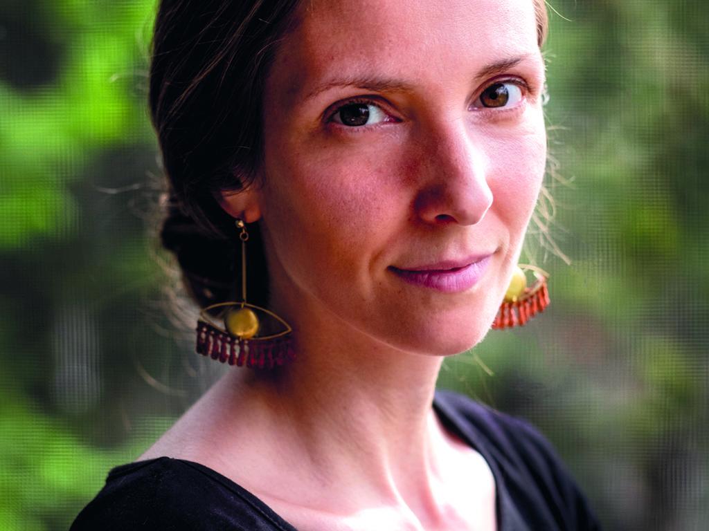Gabrielle Roberge a récemment lancé son recueil Le mouvement des couleuvres à Val-David. (Photo gracieuseté)