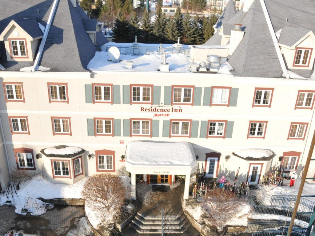 Les sites d'hébergement de plus petite taille auront droit à une aide financière immédiate de Québec. Les plus gros hôtels, eux, seront également soutenus, mais les détails sont encore à venir. (Photo L'info du Nord – Archives)