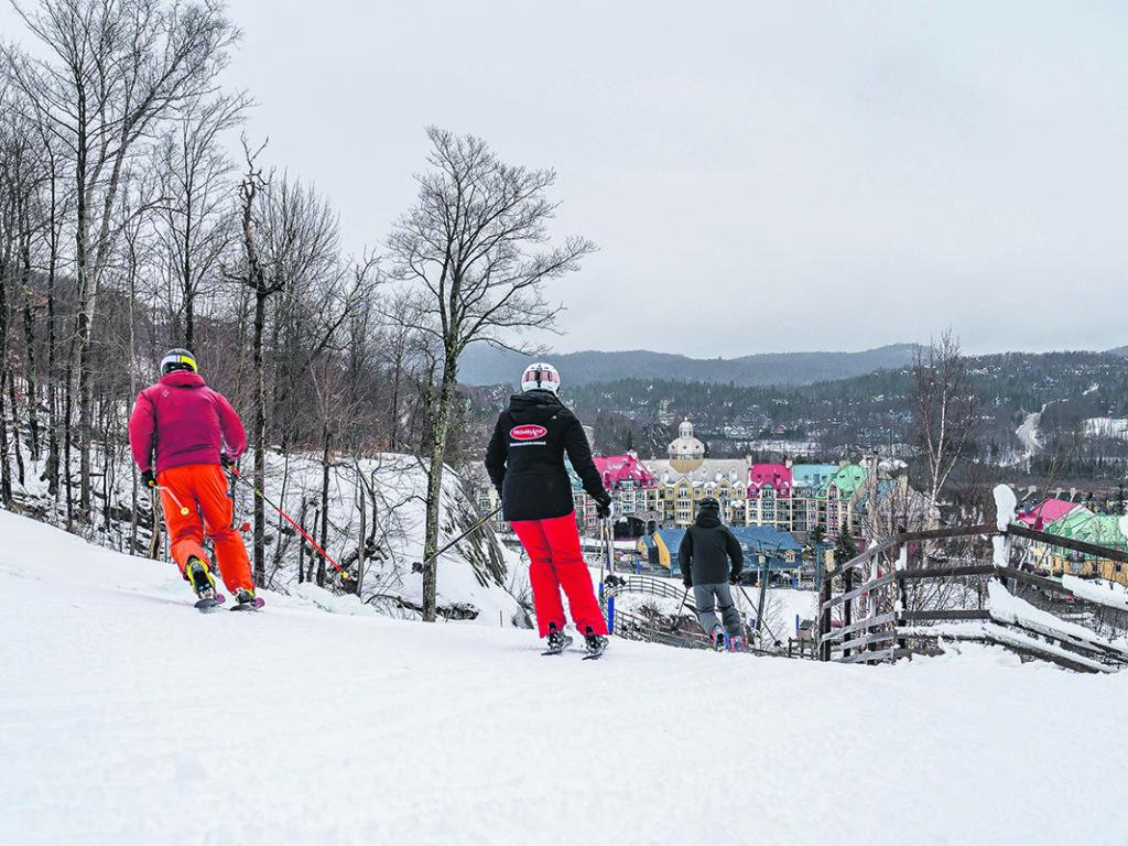 L'ouverture de la Station Mont Tremblant a été beaucoup plus modeste cette année, COVID-19 oblige, mais les skieurs étaient au rendez-vous. (Photo gracieuseté)