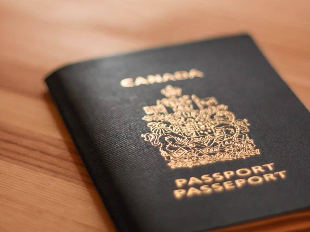 Québec demande l'interdiction des voyages non essentiels à l'étranger