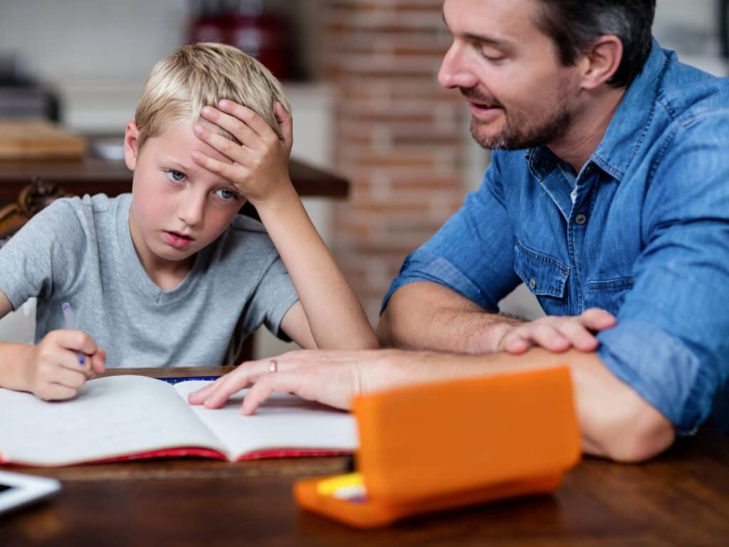 L'année scolaire n'est pas facile pour plusieurs jeunes et enseignants, qui ne peuvent être en classe comme d'habitude. Le CSSL tâche de limiter au maximum les risques de décrochage scolaire. (Photo Deposit Photos)
