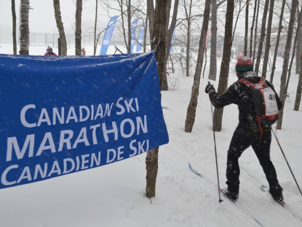 Un marathon canadien de ski virtuel qui attire