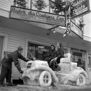 La devanture de la boutique en 1958.(Photo Facebook – Comité du Patrimoine de Sainte-Agathe-des-Monts)