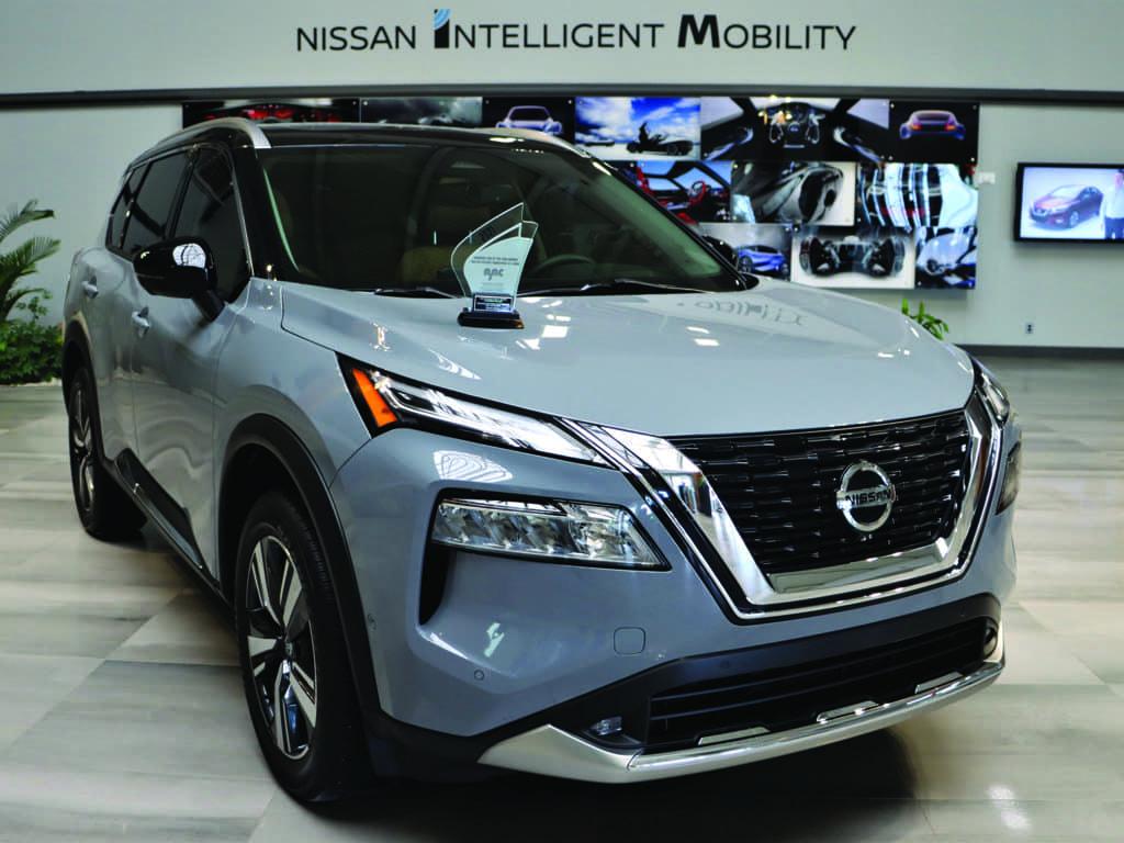 Le tout nouveau Nissan Rogue remporte le prix du « Meilleur utilitaire intermédiaire 2021 au Canada » décerné par l'AJAC