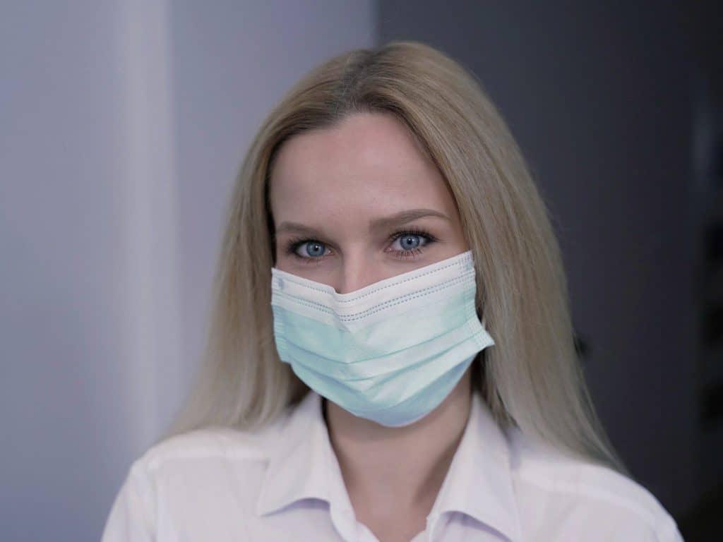 Port du masque médical obligatoire en milieu de travail