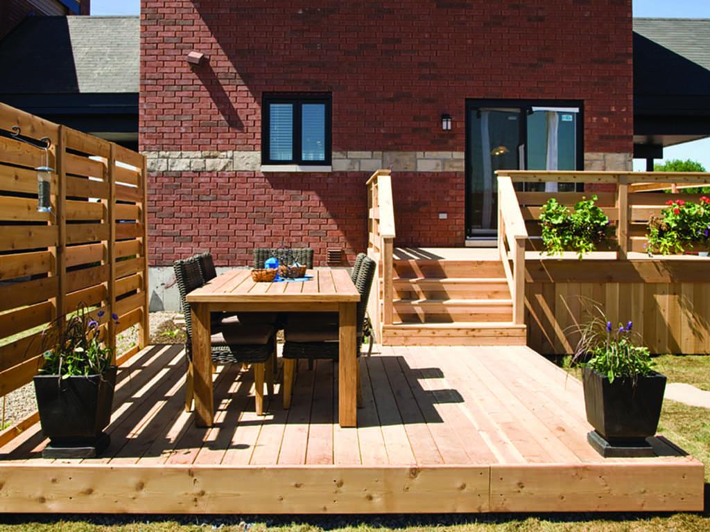 La création d'un aménagement extérieur doit allier confort, intimité et fonctionnalité.