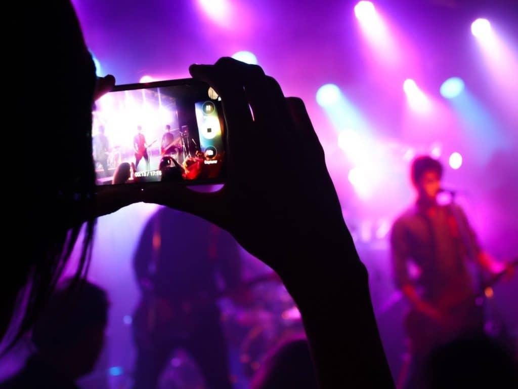 « Je sais que renouer avec nos festivals et nos événements partout au Québec, ça va nous faire le plus grand bien », a lancé le 19 mai la ministre du Tourisme, Caroline Proulx. (Photo Pixabay)